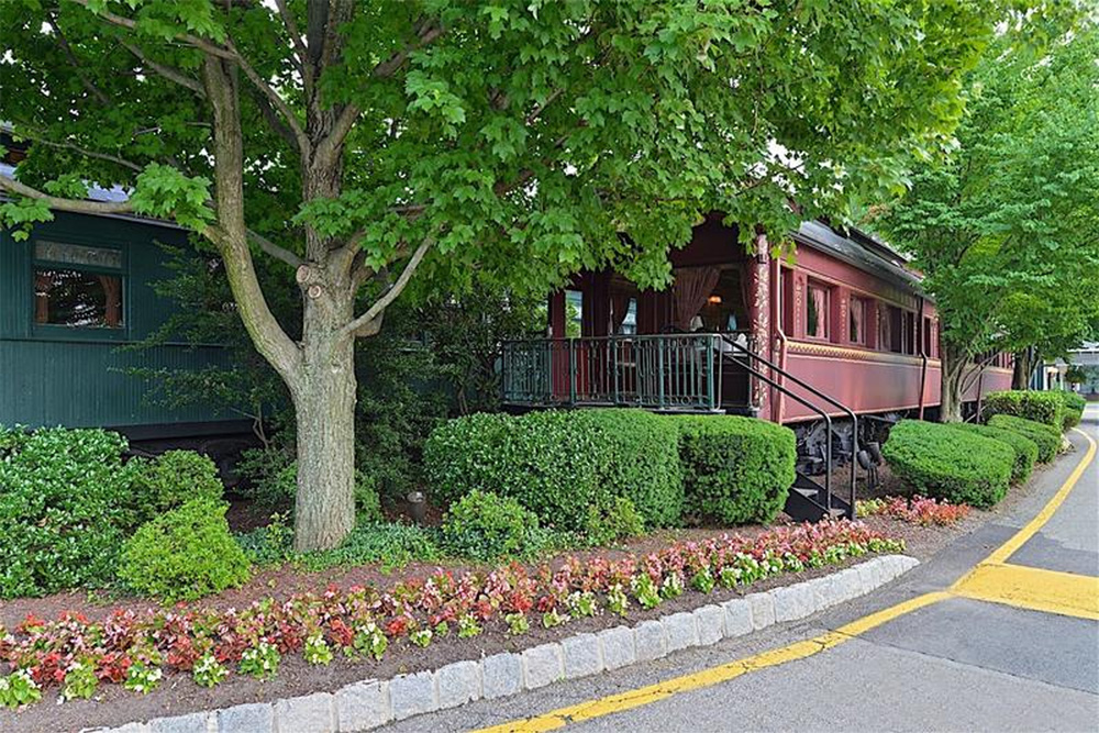 Railroad Car Dining at The Madison Hotel